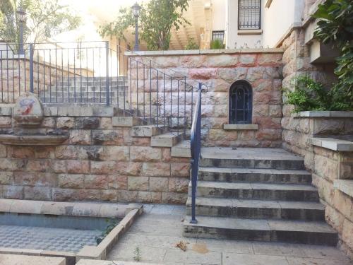 מדרגות הכניסה